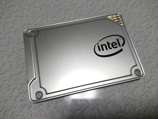 IntelSSD5を触る機会があったのでベンチマーク